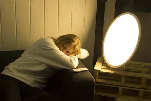 Luz para dormir con la lámpara de fototerapia